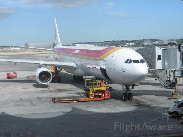 Airbus A340-600 (EC-IZY) - Foto tomada 02/06/2011