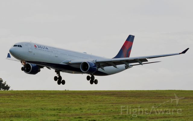 Airbus A330-300 (N811NW) - delta a330 n811nw about to land at shannon 15/11/14.