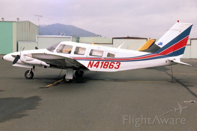 Piper Seneca (N41863) - Seen here on 31-Dec-03.  Exported to Philippines 5-Aug-09.