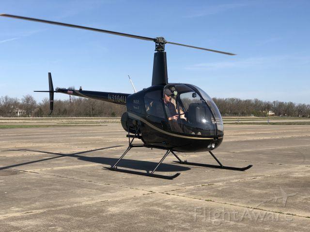 Robinson R-22 (N3104U)