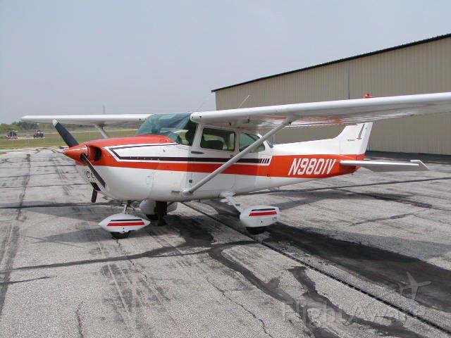 Cessna Skyhawk (N9801V) - WingsFlyingClub.org