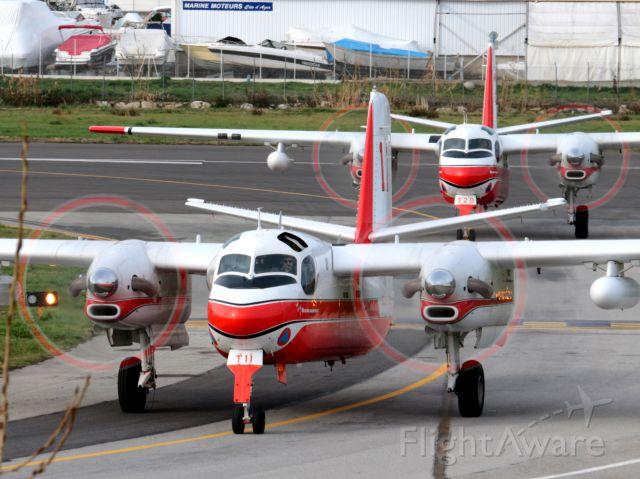 De Havilland Canada CS2F Tracker (F-ZBEW)