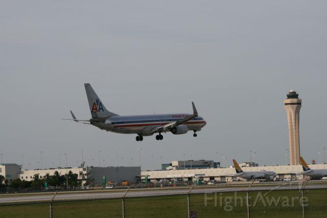 Boeing 737-800 (N974AN)