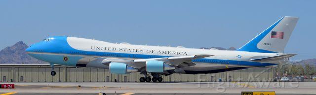 Boeing 747-200 (N28000) - phoenix sky harbor international airport 23JUN20