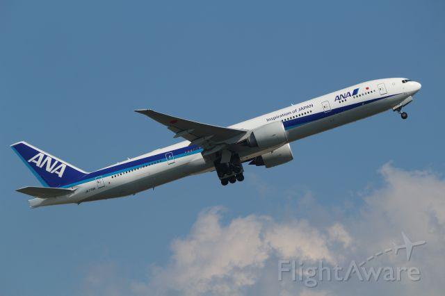 BOEING 777-300ER (JA779A) -  12 Oct
