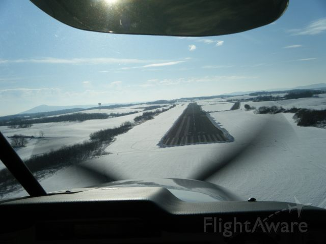 Mooney M-20 (N62KH) - Landing at KPSK after the big snow.