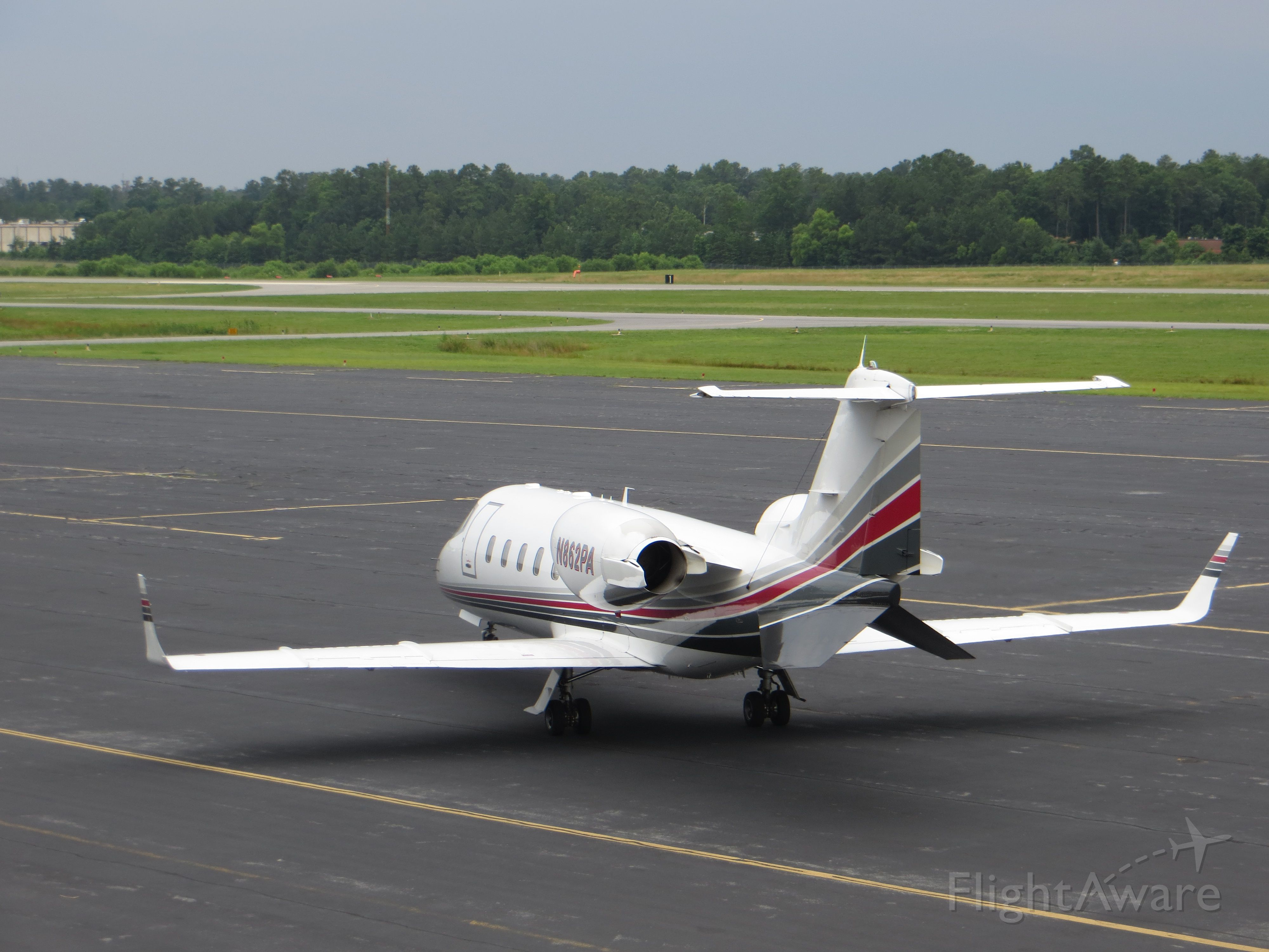 Learjet 60 (N862PA) - A very nice Learjet 60 at Richmond Executive-Chesterfield County (FCI)