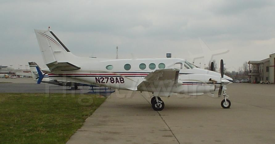 Beechcraft King Air 90 (N278AB) - N278AB BE90 King Air (LJ-1012) sat on the Tac Air ramp at Lexington KY (KLEX) in 2006 ...Photo by Mike Day.