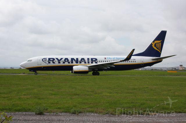 Boeing 737-800 (EI-EBK) - Ryanair waiting for take off clearance