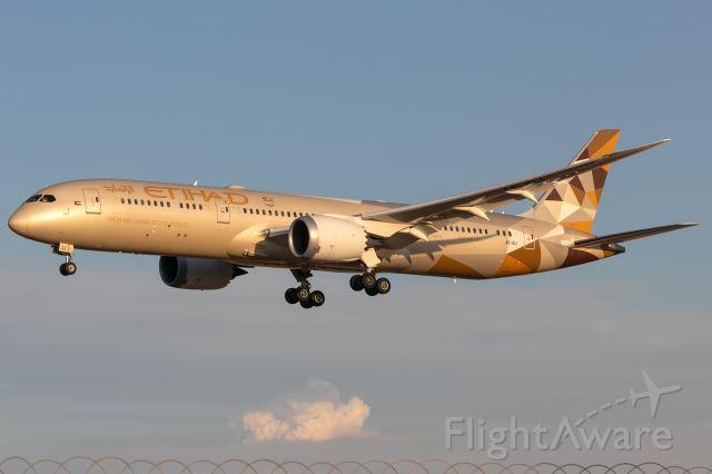 Boeing 787-9 Dreamliner (A6-BLI) - EY460/ETD460 fr. AUH Abu Dhabi. MEL/YMML 02/03/19