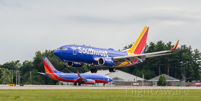 Boeing 737-700 (N765SW) - Shot with a Nikon D3200 w/ Nikkor 70-300mm<br />Best viewed in Full Size