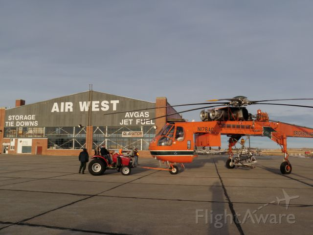 — — - The big bad Erickson Air Crane often seen chilling out in Western Canada