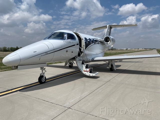 Embraer Phenom 100 (N11CR)