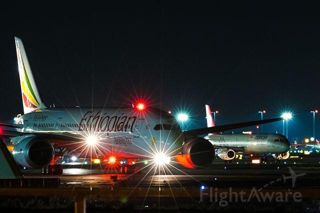 Boeing 787-8 (ET-AOP)