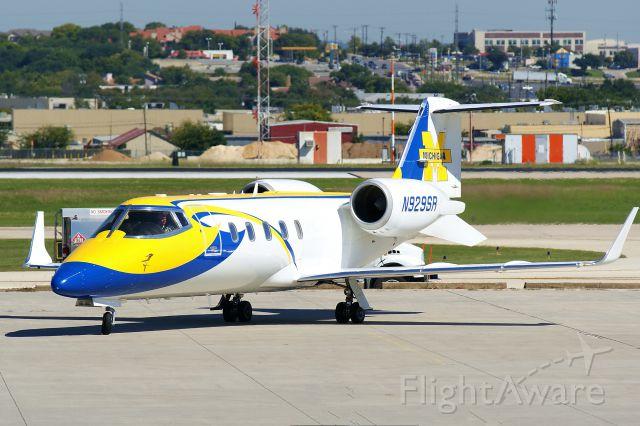 Learjet 60 (N929SR)