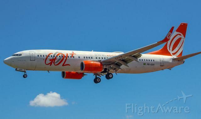Boeing 737-800 (PR-GUX)