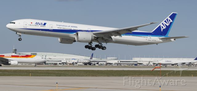 BOEING 777-300 (JA777A)