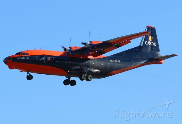 Antonov An-12 (UR-CJN)