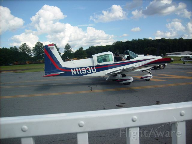 Grumman AA-5 Tiger (N1193U) - Taxing at the Doylestown Airport in Pennsylvania.