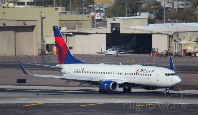 Boeing 737-800 (N3749D)