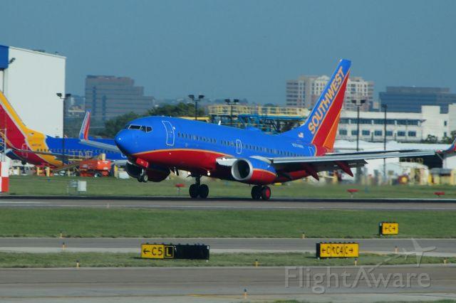 BOEING 737-300 (N274WN)