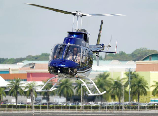 Beechcraft Super King Air 200 (HP-1936AE) - Bell 206L
