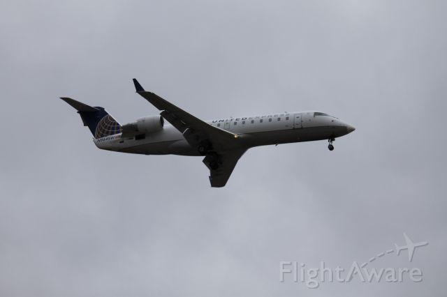 Canadair Regional Jet CRJ-200 (N964SW) - SKW5436 landing on 28C from Springfield.