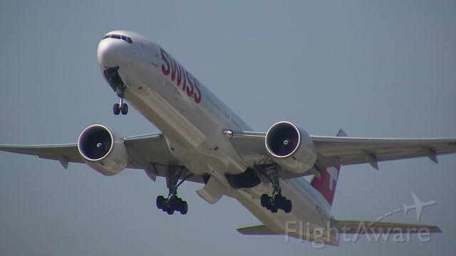 BOEING 777-300ER (HB-JNC) - takeoff to SFO