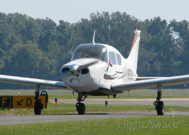 Beechcraft Sundowner (N2331J) - Taxiing to 14 at the Downtown Shreveport airport.