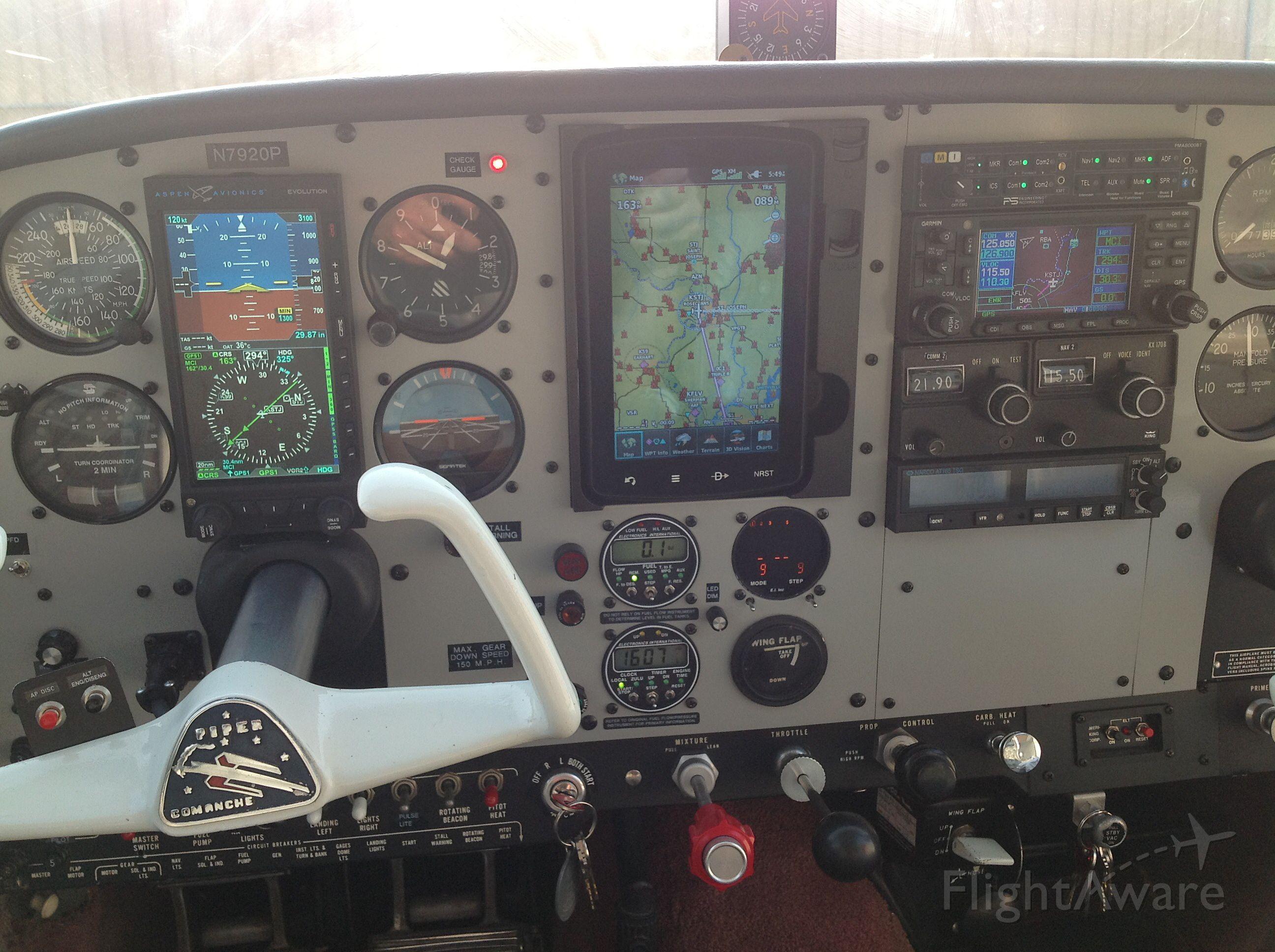 Piper PA-24 Comanche (N7920P)