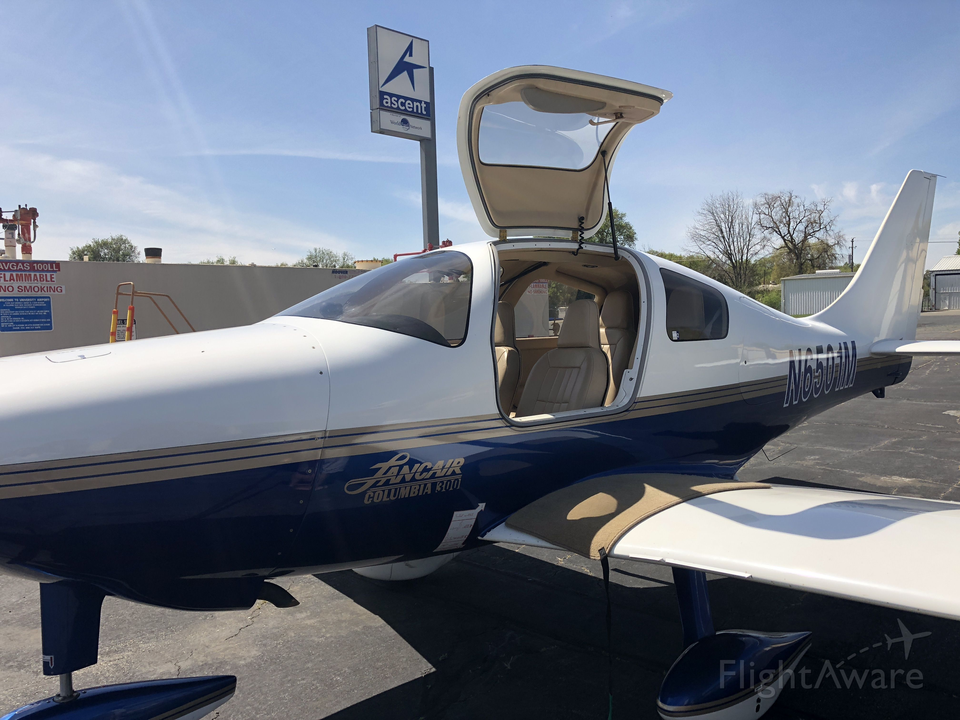 Cessna 350 (N6501M) - Talked with the owner. One of the first Lancair Columbia 300s off the line.