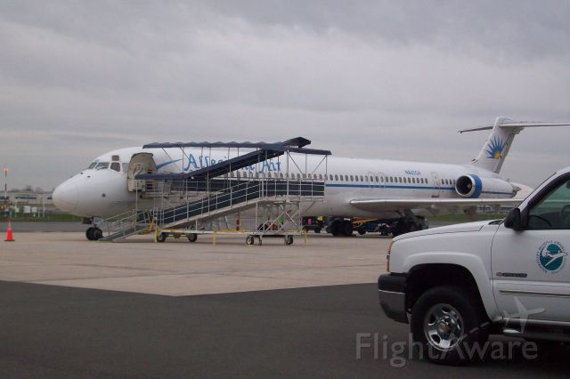 McDonnell Douglas MD-83 (N862GA) - Alligiant MD-83 (N862GA) at KHGR waiting to load for KFSB