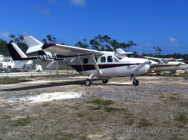 Cessna Super Skymaster (N37LS)