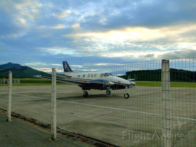 Beechcraft King Air 90 (PR-RRT) - Manhuaçú Airport, MG, Brazil.