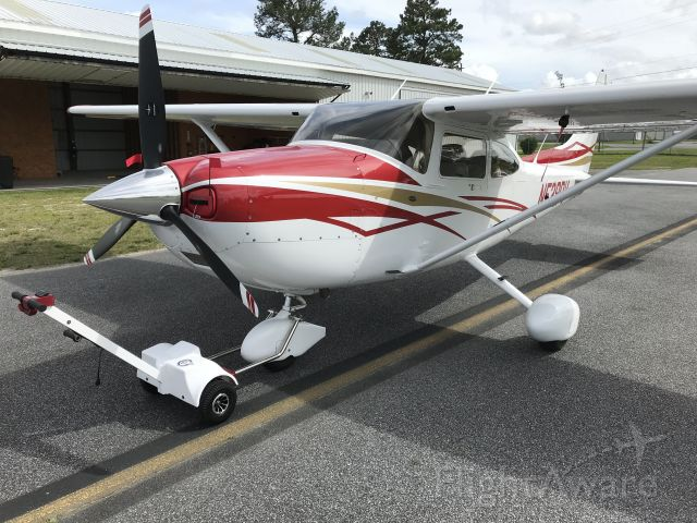 Cessna Skylane (N528PV) - Pulling her out with my Best Tugs A3. So nice!