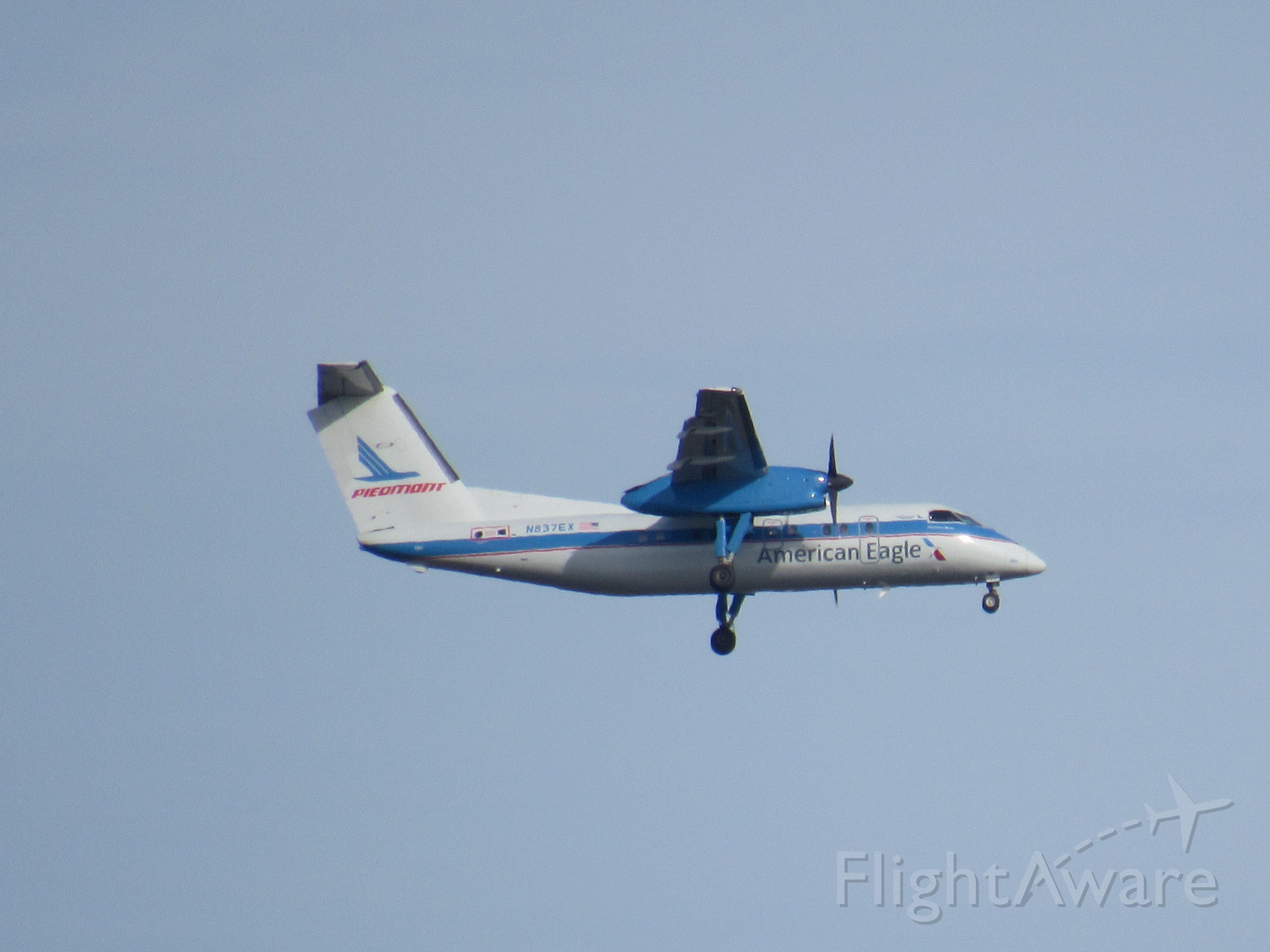 de Havilland Dash 8-100 (N837EX) - Taken at East Rock Park, New Haven, CT, USA