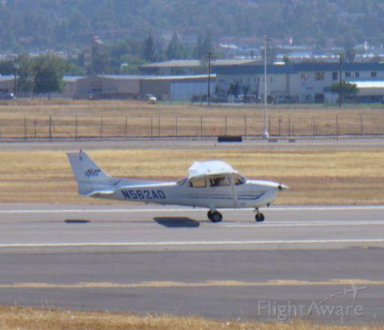 Cessna Skyhawk (N562AD) - 27R, 6/16/08