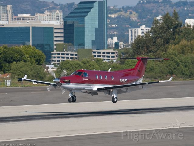 Pilatus PC-12 (N292P) - N292P arriving on RWY 21