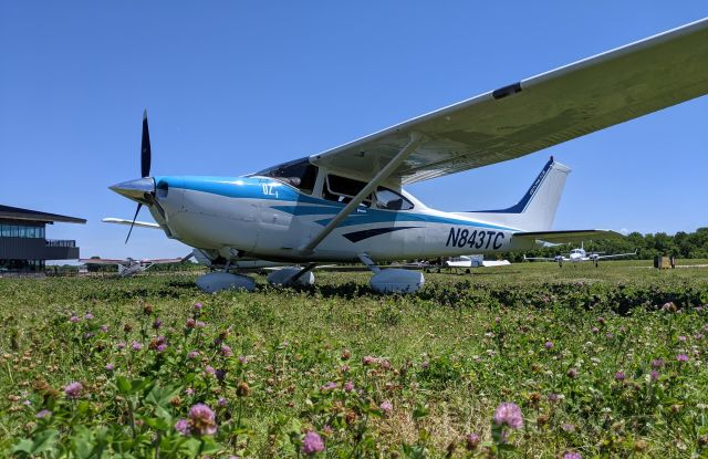Cessna Skylane (N843TC) - When the ramp is full, you park in the grass