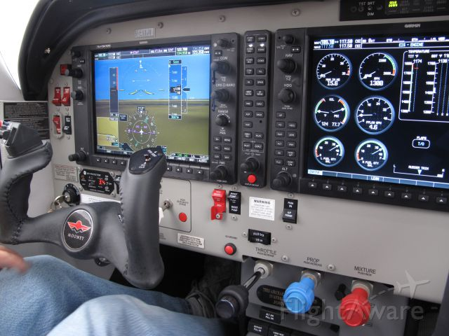 Mooney M-20 Turbo (N411JL)