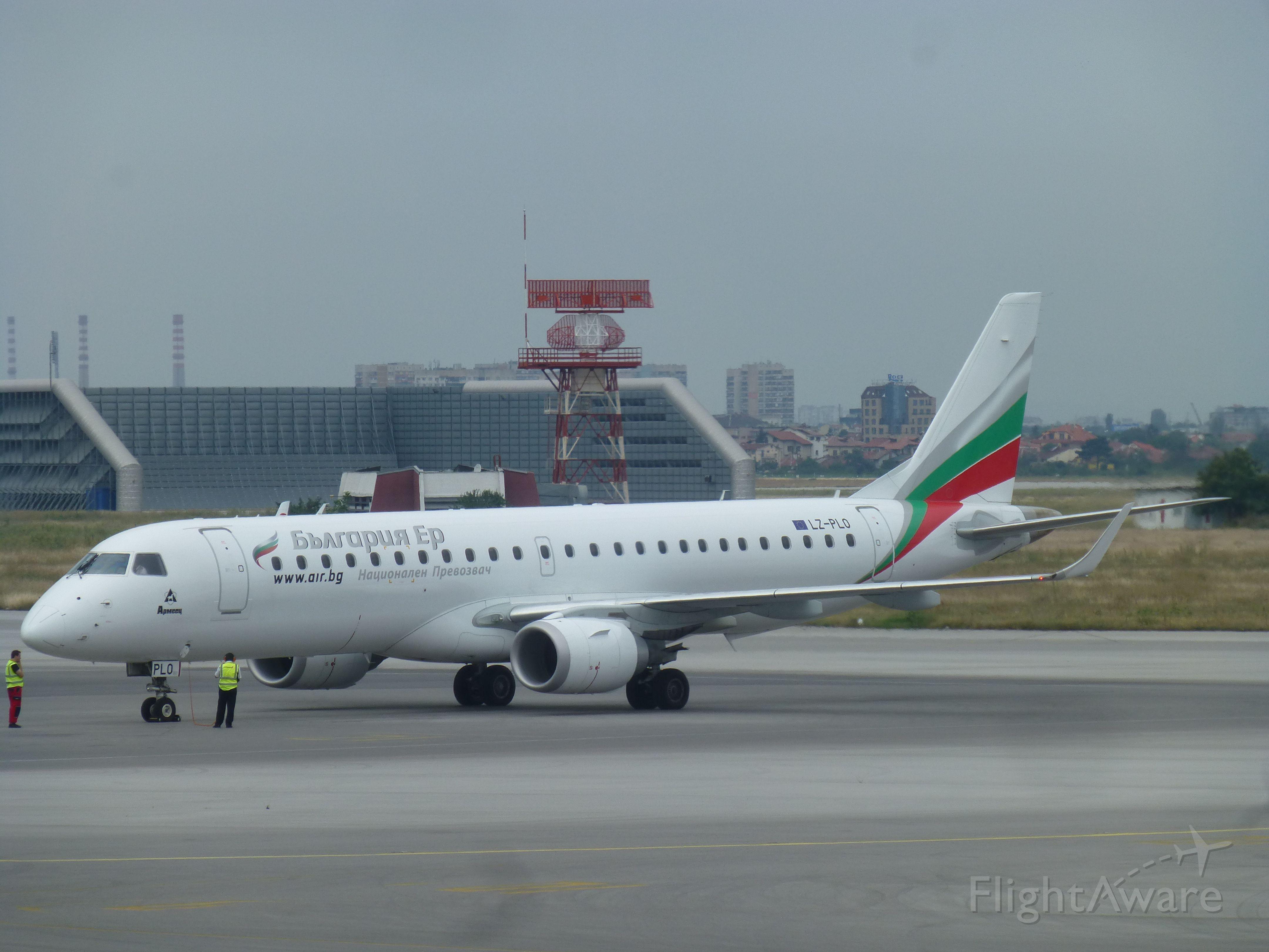 Embraer ERJ-190 (LZ-PLO)