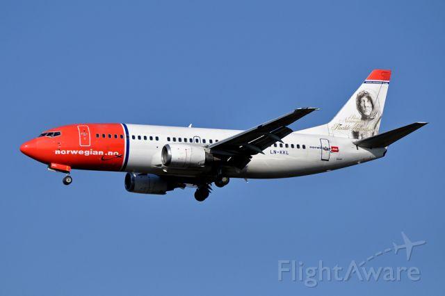 BOEING 737-300 (LN-KKL) - Boeing 737-36N named Real Norwegian Roald Amundsen