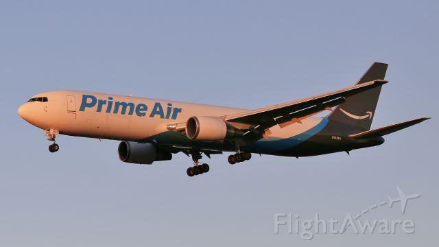 BOEING 767-300 (N1439A)