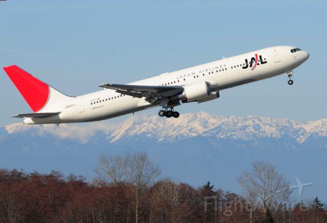 JA621J — - JAL JA621J Boeing 767 Test Flight at KPAE