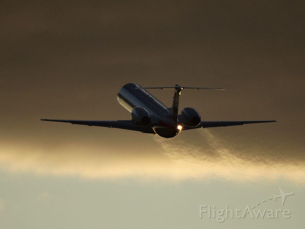Embraer ERJ-145 (N628AE)
