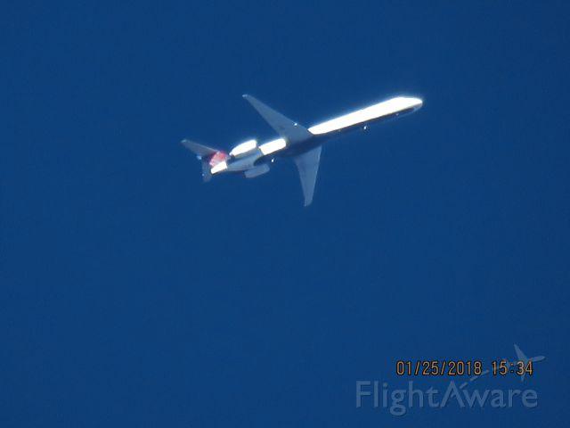 McDonnell Douglas MD-88 (N960DL)