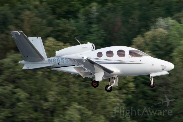 Cirrus Vision SF50 (N865SM) - Cirrus SF50 on a demonstartion flight at KBED.