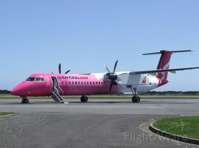 de Havilland Dash 8-400 (VH-QOH) - 10 November, 2007. First Q400 to visit Tasmania.