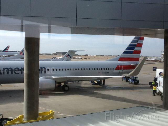 Boeing 737-800 (N944NN) - Terminal D  DFW-YUL<br />January 30, 2014<br />Flt. 1578