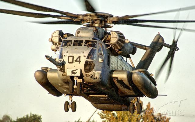 — — - CH-53 arrives to the LZ during a Non-Combative Evacuation drill, in Yuma Arizona.